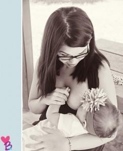 Breastfeeding photo shoot in the park